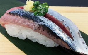 さんまにぎり・脂の乗った秋刀魚にはしょうがとの組み合わせが最高